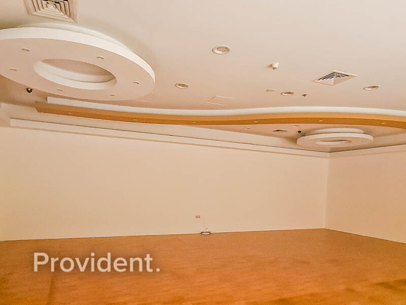 Retail for Rent in  Jumeirah Beach Residence