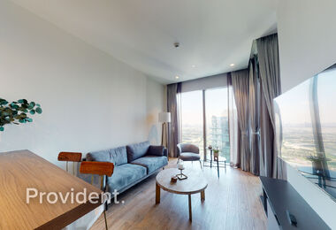 Luxury Furnished Studio, Golf Course View, AC Free