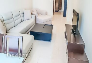 Extra Large Fully Furnished 1 bed with Sea Views