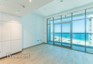 Contemporary Studio with Sea View|Available soon