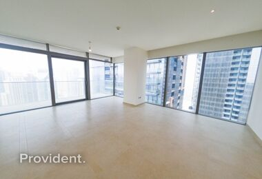 Alluring 3 beds Corner Unit with Astonishing View