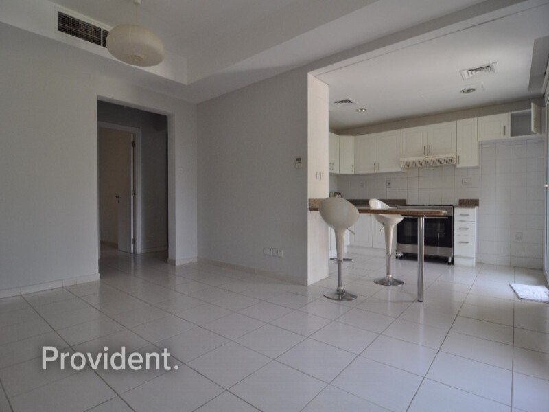 Apartment for Rent in Springs
