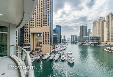 Captivating 2 bedroom  with Stunning Full Marina View