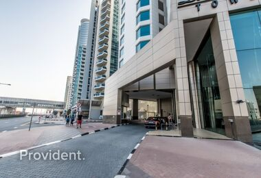 Fully Fitted Retail Shop in Dubai Marina – 2 Months Free