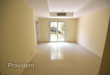 Well maintained | Extra large unit Close to Park