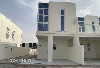 Exclusive | Perfectly Priced | Vacant Corner unit