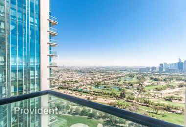 Astonishing unit with Golf Course and City Views
