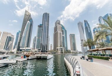 Suitable for F&B – Marina Walk – Ready to Move – In