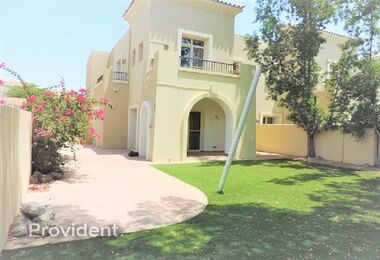 Closed Kitchen Amazing 4 Bed Villa – Alma 1