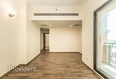 Spacious, Vacant, Near Mall of Emirates