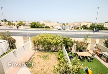 Well Maintained|Large plot|Vacant|Close to Souq