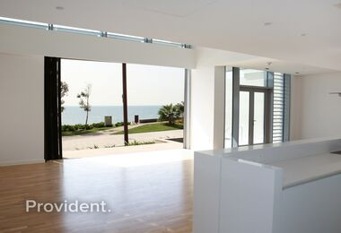 Seafront 4Bed Townhouse|Private Island