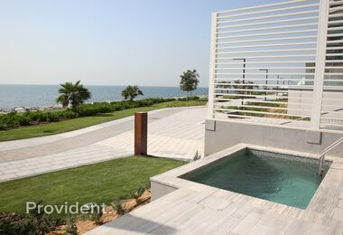 Private 4Bed Townhouse with Full Sea view