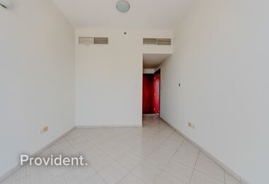 Investors Deal|1BR Apt|Currently Tenanted|