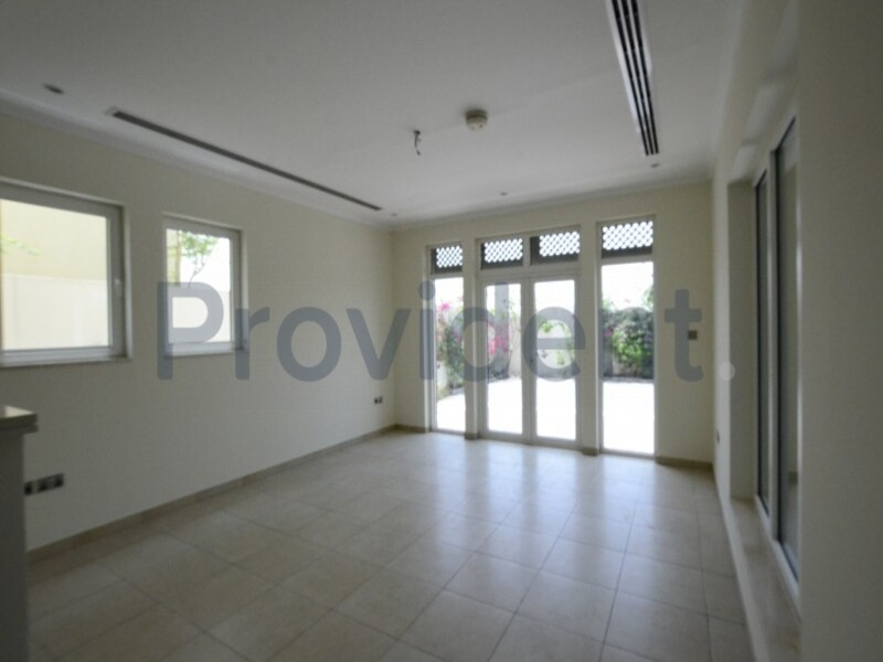 Villa for Sale in Jumeirah Park
