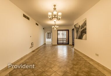 Extra Large 2-Bed with Maid's room | Sophisticated