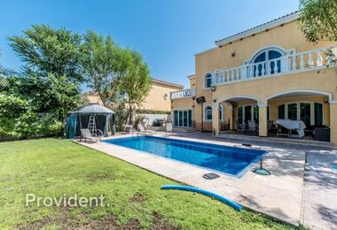 Vacant on Transfer 5 BR with a Private Pool