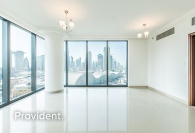 Burj Kh. View|Closed Kitchen | Corner unit |