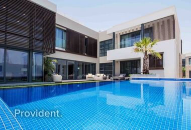10% on Booking, Luxury 5-Bed Villa, 0% Commission