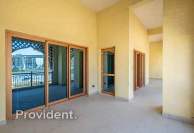 Exclusive | Vacant on Transfer | Extended Balcony