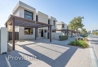 Immaculate Condition   Near Park   THL