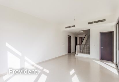 Villa for Sale in Mira Oasis